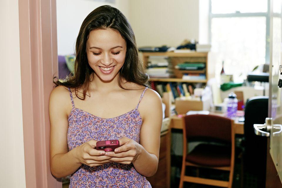 pest free dorm | girl in dorm | bed bug exterminator | pest detective