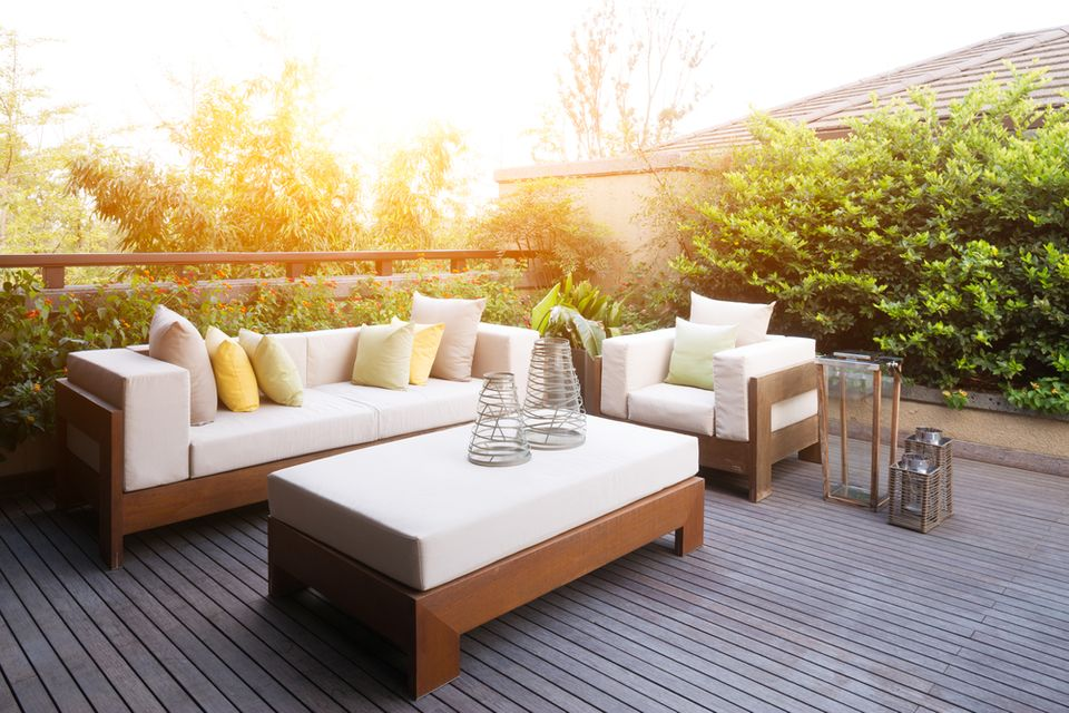 bug free patio | bug free backyard deck | pest control insect control | pest detective